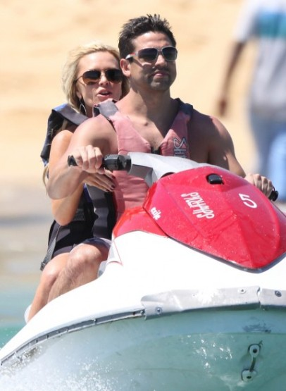 tamra-barney-bikini-eddie-judge-shirtless-los-cabos-04052011-13-430x588