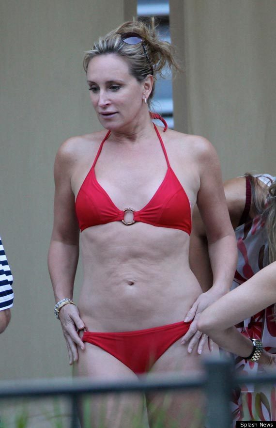 Housewife bikini asshole